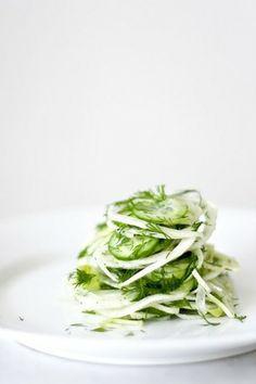 シンプルなサラダの一皿|新鮮な野菜がたくさんの写真日記