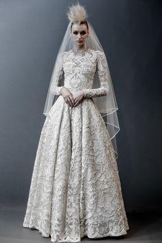 Naeem Khan #VogueRussia #bridal #springsummer2019 #NaeemKhan #VogueCollections