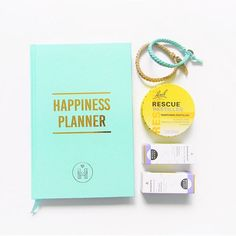Ihanaa torstai päivää! 😊🌟 .  .  .  .  .  #happinessplanner #planner #kalenteri #hyvinvointi #terveys #ihana #koru #rescueremedy #pretty #essentialoil #natural #calm #sparkle #minimalism #wellness #wellbeing #kalendar #essentialoil