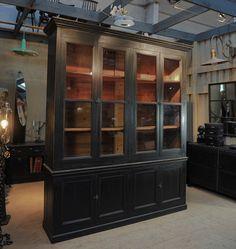 cabinet de curiosit s relook partir de buffet henri ii cr ation et vente le meuble du. Black Bedroom Furniture Sets. Home Design Ideas