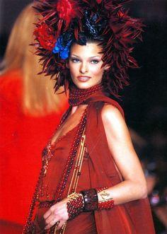 Linda Evangelista au défilé Chanel en 1992
