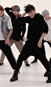 KPOP — jeovkks: fluffy black hair + all black outfit Namjoon, Taehyung, Jungkook Dance, Kookie Bts, Bts Bangtan Boy, Jung Kook, Bts Gifs, Kpop Gifs, Busan