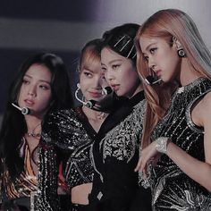 𝐛𝐚𝐛𝐲𝐥𝐨𝐧 — three years with my family. Blackpink Fashion, Black Girl Fashion, Yg Entertainment, Forever Young, Girls Generation, South Korean Girls, Korean Girl Groups, Blackpink Youtube, Blackpink Icons