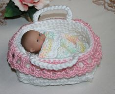 Crochet Bassinet for Berenguer 5 inch baby doll Pink and White Blanket Pillow by ginaska Crochet Doll Dress, Crochet Doll Clothes, Crochet Doll Pattern, Knitted Dolls, Crochet Patterns, Baby Doll Bed, Baby Doll Clothes, Baby Dolls, Cape Bebe