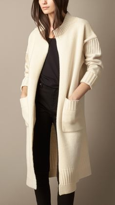 Burberry Brit Natural white Guernsey Detail Wool Cardigan Coat – An open-front cardigan coat in wool. The relaxed shape is engineered with Guernsey-inspired detailing, dropped shoulders and turn-back cuffs. Crochet Cardigan, Wool Cardigan, Sweater Coats, Sweaters, Knitwear Fashion, Knit Fashion, Pull Marron, Steal Her Style, Green Kimono