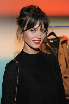 Marta Dyks The post Marta Dyks appeared first on Peinados. Hairstyles With Bangs, Pretty Hairstyles, Hair Inspo, Hair Inspiration, Grunge Hair, Hair Today, Hair Dos, Hair Lengths, Hair Trends
