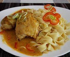 Rezept Ungarische Hähnchen-Gulasch von ildikogp - Rezept der Kategorie Hauptgerichte mit Fleisch Thai Red Curry, Meat, Chicken, Ethnic Recipes, Food, Thumbnail Image, Chef Recipes, Hungarian Cuisine, Hungarian Recipes