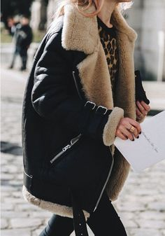 These Winter Looks Have Over Fans via - feline power with an oversized shearling jacket. Looks Street Style, Looks Style, Looks Cool, Look Fashion, Fashion Outfits, Womens Fashion, Fashion Trends, Paris Fashion, Fashion Tips
