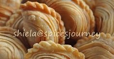 My Recipes, Bread Recipes, Snack Recipes, Cooking Recipes, Chef Wan, Curry Puff Recipe, Asian Desserts, Indian Snacks, Indonesian Food