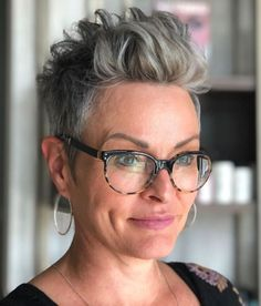 Oval Face Hairstyles, Hairstyles With Glasses, Short Hairstyles For Thick Hair, Short Grey Hair, Haircut For Thick Hair, Short Straight Hair, Short Pixie Haircuts, Short Hair With Bangs, Cool Haircuts