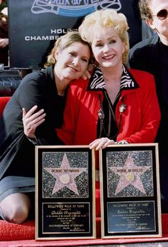 Carrie and with her famous mum at her Hollywood Walk Of Fame ceremony
