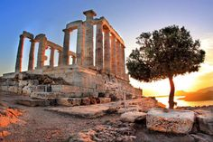 The Temple of Poseidon at Sounion is one of the best tours you can do while in Athens - Greece Greece Tours, Greece Travel, Beautiful World, Beautiful Places, Places To Travel, Places To Go, Overseas Travel, Athens Greece, Day Tours