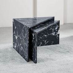 Like pieces of a puzzle, these marble tables can be arranged together as a side table or a staggered coffee table. Rustic Side Table, Black Side Table, White Side Tables, Gold Nesting Tables, Marble Furniture, Reuse Furniture, Furniture Design, Black Marble Coffee Table, Marble Tables