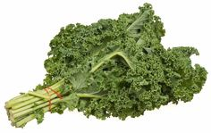 Kale is cancer fighting food that also includes fiber and several vitamins. Kale should be part of your diet. Here're top 5 health benefits of eating kale. Kale Recipes, Healthy Recipes, Healthy Foods, Nutribullet Recipes, Juice Recipes, Chef Recipes, Diet Foods, Kale Benefits, Health Benefits