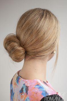 Hair Romance - 30 Buns in 30 Days - Day 25 - Side Sock Bun Hairstyle Sock Bun Hairstyles, Pretty Hairstyles, Wedding Hairstyles, Mommy Hairstyles, Updo Hairstyle, Wedding Updo, Hair Romance, Fresh Hair, Good Hair Day