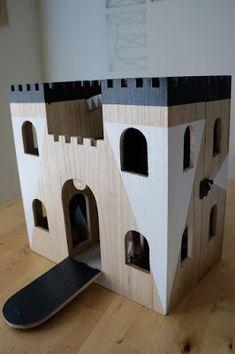 diy play castle shortyfresh - Painted Wood Castle 2015