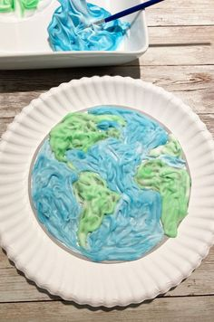 Earth paper plate craft for kids Paper Plate Crafts For Kids, Fun Crafts, Paper Crafts, Earth Day Crafts, Train Up A Child, Shaving Cream, Recycled Crafts, Paper Plates, Creative