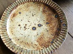 6 - OLIOLI click the image or link for more info. Pottery Plates, Ceramic Pottery, Ceramic Art, Earthenware, Stoneware, Ceramic Tableware, Pottery Sculpture, Japanese Pottery, Plates And Bowls