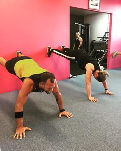 Planking for the weekend!!! The face... Morning Vs Evening When's the Best Time to Exercise? Read more herehttp://ift.tt/2rJVoB6 #plank . . . #Eat #Train #Love #winter #absonfitness #absonmethod #abs #weightloss #toning #fitness #body #fit #fitspo #personaltrainer #pt #groupfitness #getfit #active #workout #exercise #community #motivation #inspiration #health #fitnessjourney #goals #nutrition