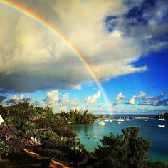 Daydreaming today....  *  *  *  *  #bermuda #bermudadreaming #bermudaful #bermudalife #bermudas #bermudasunset #bermy #bermylife #ocean #water #beach #beachlife #beaches #tropical #paradise #grottobay #sun #viewfrommyroom #vacation #rainbow #rainbows #clouds #cloud #cloudporn #cloudscape #calmbeforethestorm #snowiscoming #snow 📷: @kateluczko