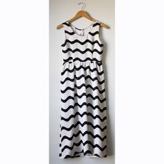 DUSEN DUSEN / Waves Long Fitted Dress from Of a Kind
