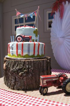 http://www.pinterest.com/surefire14/tractor-birthday/ Tractor Party