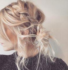My huur #blonde #plait #braid #twistbraid #hair #hairup #blondor #ootd #wella #me #mywork #brunette #ombre #balayage #blend #rootdrag #koleston #style #hairstyle #updo #hairdresser #stylist #sidebun #messyhair #loosebraid #braids #pleating #pleat #beautiful #beautifulhair #waves #curl #loosehair #bun #hairdo #styling #blowdry #problo #bleach