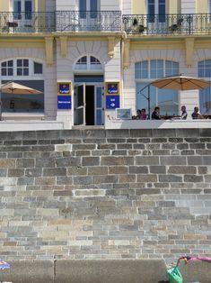 Terrasse et accès direct à la plage du sillon