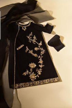 Pakistani Formal Dresses, Pakistani Fashion Party Wear, Pakistani Dress Design, Shadi Dresses, Pakistani Outfits, Indian Dresses, Fancy Dress Design, Bridal Dress Design, Stylish Dress Designs