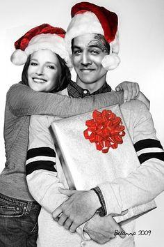 janeway_chakotay__christmas_presents_by_belanna42