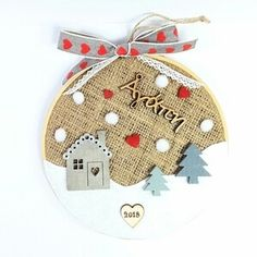 Christmas Home, Christmas Wreaths, Christmas Crafts, Christmas Ornaments, Cat Cross Stitches, Handmade Christmas Gifts, Lucky Charm, Paper Cards, Xmas Decorations