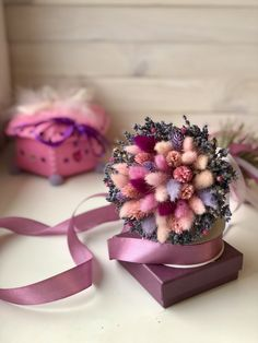 Dried Flower Arrangements, Dried Flowers, Birthday Cards, Birthday Gifts, Bunny Tail, How To Preserve Flowers, Flower Boxes, Planting Flowers, Beautiful Flowers