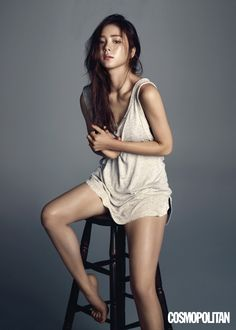 Shin Se Kyung Cosmopolitan Korea August 2015 Look 2