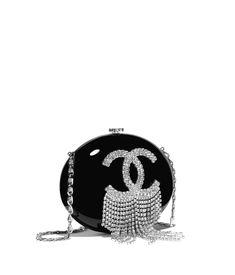 ce4f0f8b39a587 CHANEL Spring 2018 Pochette Chanel, Chanel Clutch, Chanel Handbags, Fashion  Handbags, Chanel