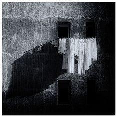 Sábanas y distancias, por Pablo de la Peña (foto) y Abraham Coco en Diafragma 183 7 FronteraD