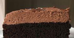 Denne kage er fyld med sort magi - den smager simpelthen så godt, har en skøn konsistens og sammen med den fantastiske chokolademousse på ... Baking Recipes, Cake Recipes, Dessert Recipes, Desserts, Black Magic Cake, Turkish Delight, Pie Cake, Chocolate Cake, Sweet Treats