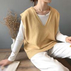 7 Colors Women Korea Winter Knitted Sweater Preppy Sleeveless V Neck Pullovers Knitting Female Vest Pullovers Sweater Vest Outfit, Vest Outfits, Sweater Vests, Knit Vest, Pretty Outfits, Cool Outfits, Casual Outfits, Summer Outfits, Vacation Outfits
