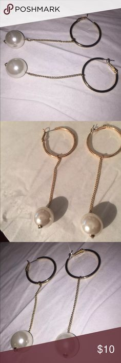 Pearl drop gold earrings Pearl drop earrings attached to chains Forever 21 Jewelry Earrings