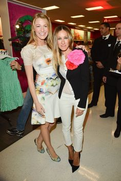 Blake Lively and Sarah Jessica Parker hung out in Target before the official launch in Canada. Click for more pictures.