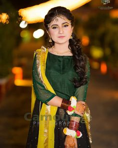 Formal Dresses For Weddings, Wedding Dresses, Mehndi Outfit, Beautiful Pakistani Dresses, Pakistani Wedding Outfits, Mehndi Brides, Lehenga Designs, Capricorn Quotes, Fashion Dresses