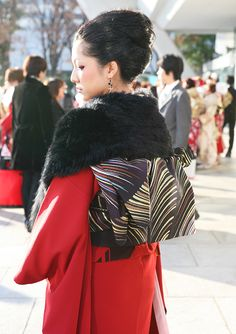 No.229粧魔 振袖スナップ写真3 Kimono Fashion, Runway, Inspire, Japan, Inspiration, Kimonos, Cat Walk, Biblical Inspiration, Walkway