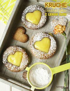 cake with lemon curd