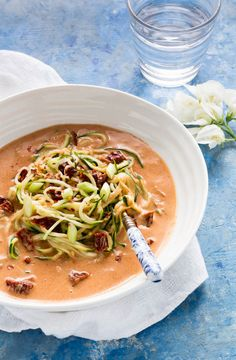 Vegan courgetti with coconut milk and Sun-dried Tomato