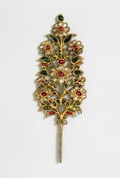 Jewelry OFF! Turban ornament India or Pakistan early century set with rubies emeralds pale beryls and diamonds. Museum no. Mughal Jewelry, India Jewelry, Ethnic Jewelry, Antique Jewelry, Vintage Jewelry, Diamond Jewelry, Gold Jewelry, Jewelery, Flower Jewelry