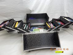 PENS, PENCILS, MARKERS! A VERY LARGE LOT ALL IN A CABOODLES TRAVEL KIT! AS IS!