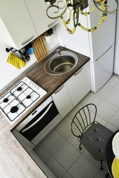 Дизайн интерьера кухни 5 кв.м. 0 Kitchen Box, Cute Kitchen, Kitchen Decor, Small Space Kitchen, Compact Living, Interior Design Living Room, Kitchen Design, Home Appliances, Home Decor