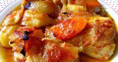 Υλικά 2 φιλετάκια μπακαλιάρου 2 πατατούλες 4 μεγάλα κρεμμύδια ή πέντε μικρότερα 2 ώριμες ντομάτες 3-4 κουταλιές σπιτική σάλτσα Μισή κο... Cookbook Recipes, Cooking Recipes, Healthy Recipes, Healthy Foods, Recipe Boards, Fish And Seafood, Salmon, Delish, French Toast