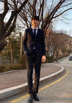 Korean Actors, Idol, Handsome, Celebs, Shit Happens, Twitter, Tigers, Printable Stickers, Future