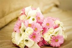 pale pink and ivory bouquets