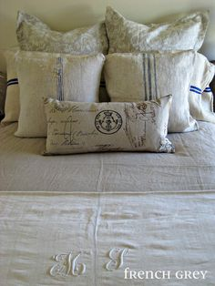 bed pillows lingery laundry vtg 12 Antique white linen fabric buttons on card f